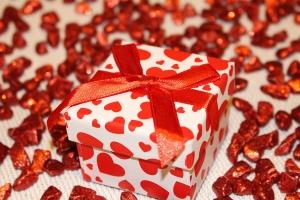Raclette-Grill Geschenk - Raclette-Grill als Weihnachtsgeschenk, zu Silvester oder zum Geburtstag verschenken.